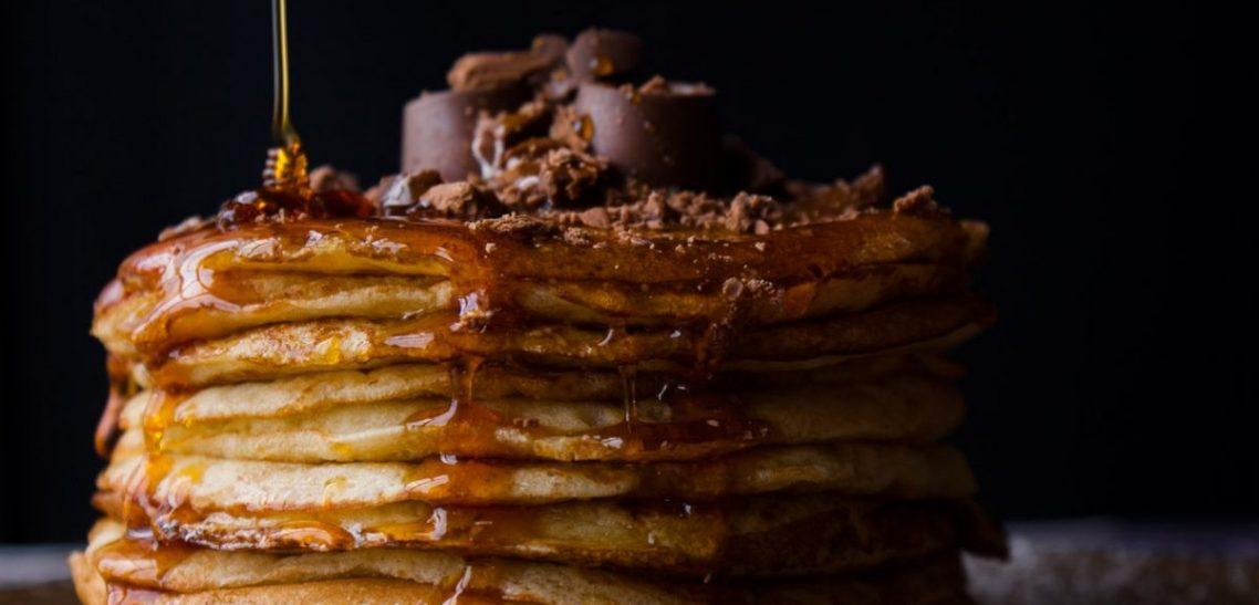 Pancakes profumati all'arancia