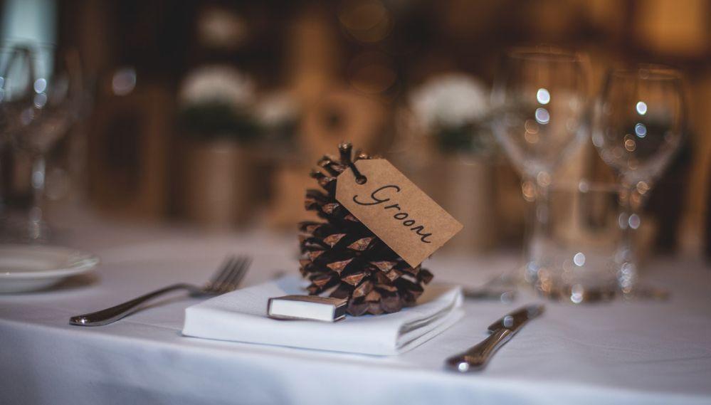 Tavolo di nozze con addobbi