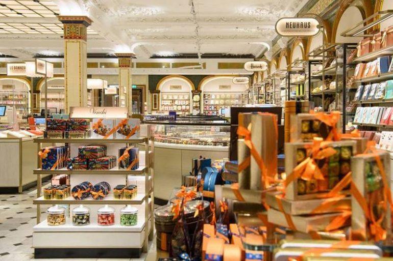 Nuova sala del cioccolato di Harrods a Londra